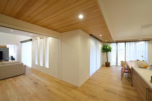 SE構法では開口部いっぱいの窓で明るく開放的な設計が可能